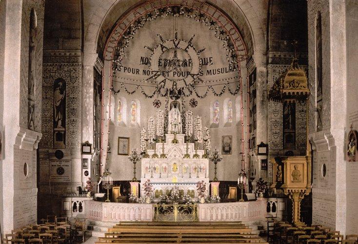 كنيسة نوتردام افريقيا من الداخل