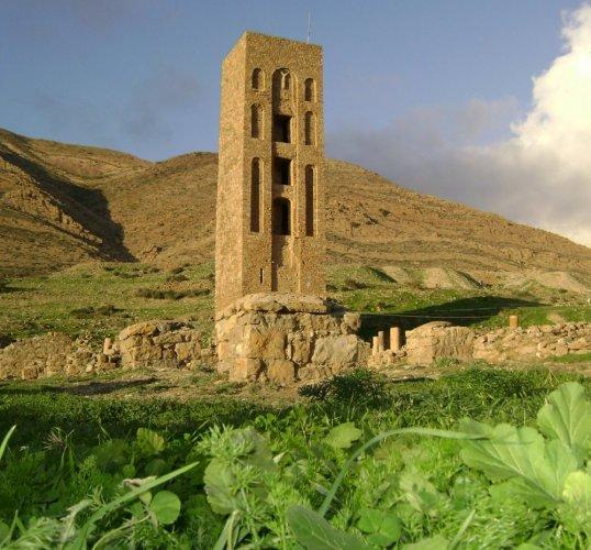 قلعة بني حماد في المسيلة