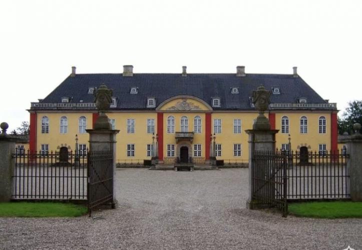 قصر ليدربورغ