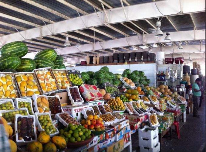 السوق العماني بقطر
