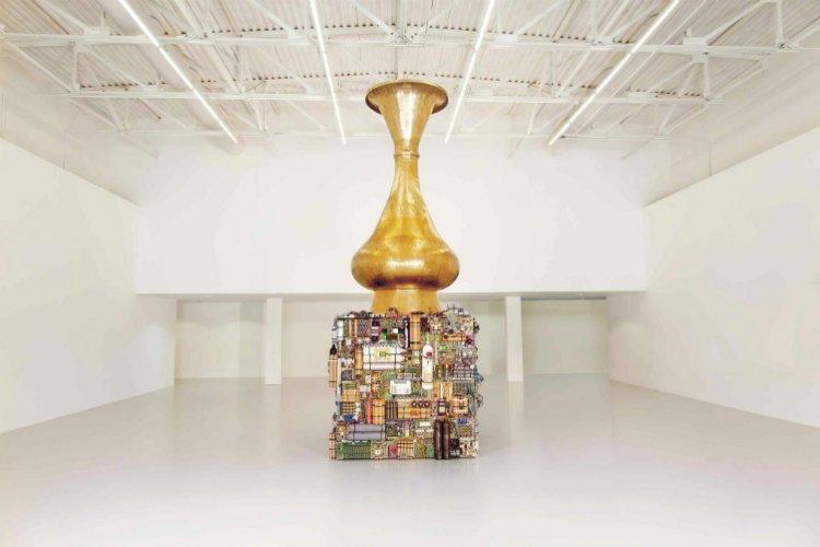 من الاعمال الفنية لفنانين عرب معاصرين