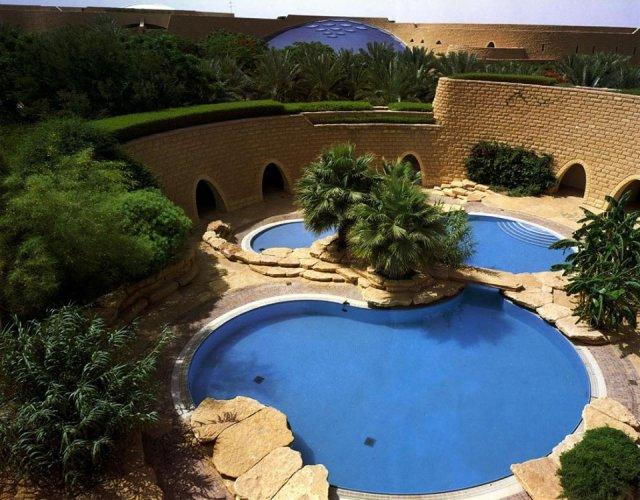 قصر طويق من الداخل في الرياض