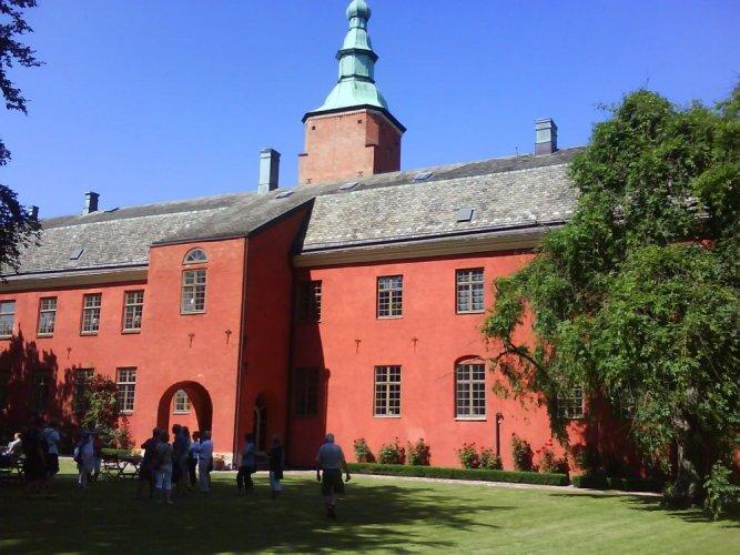 قلعة هالمستاد في السويد