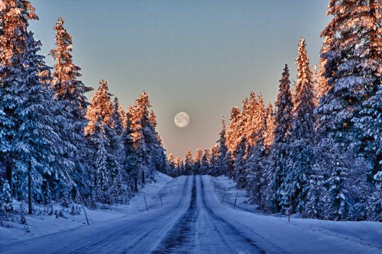 القمر في أرض لابلاند