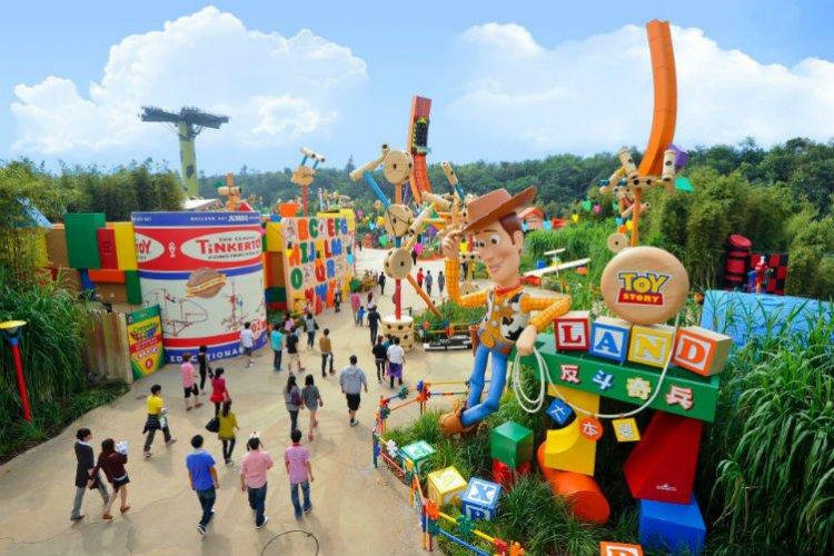 ديزني لاند Disneyland في هونغ كونغ