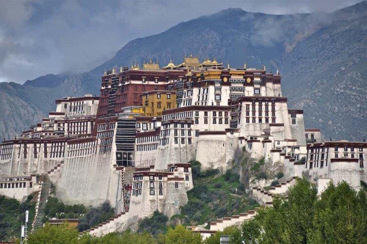 قصر بوتالا افخم القصور في العالم