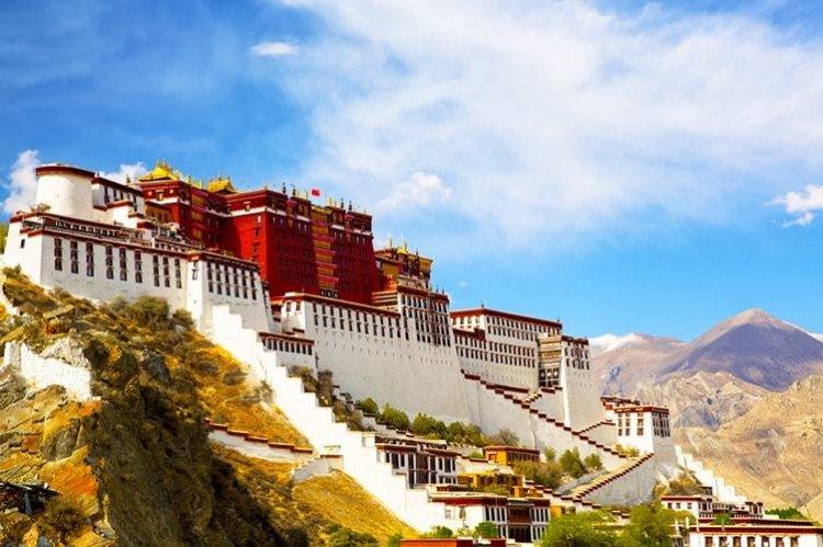 قصر بوتالا في الصين