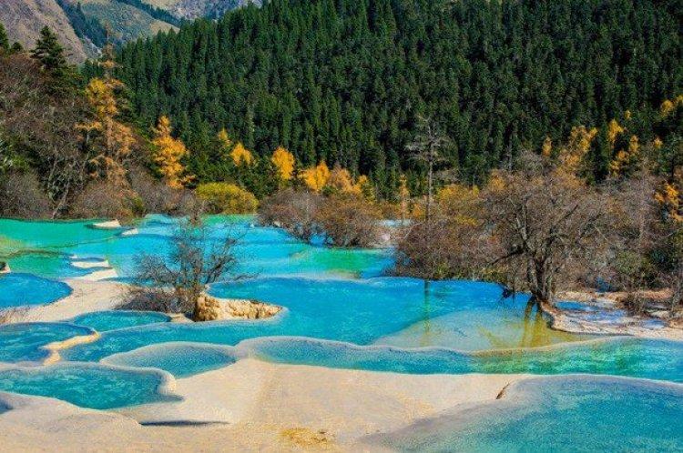 وادي هوانغ لونغ في الصين