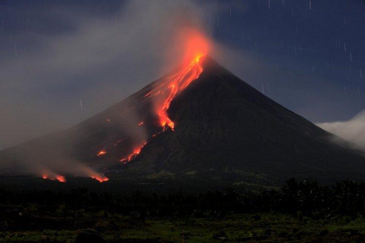 انفجار بركان مايون