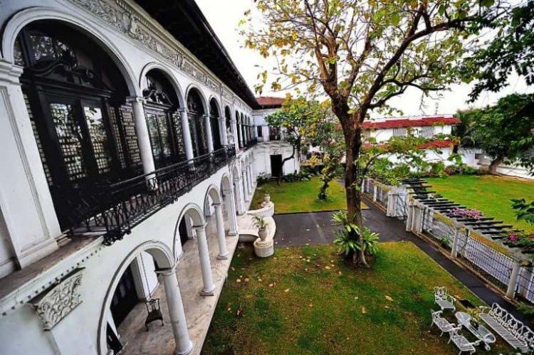 قصر مالاكانانج