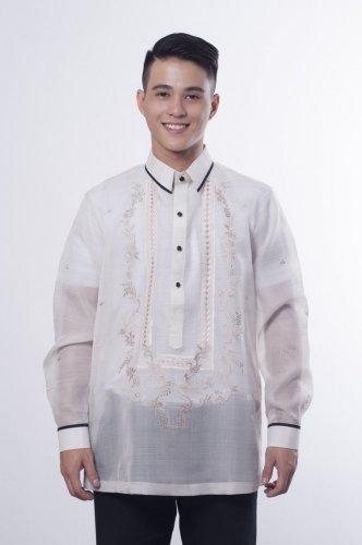 البارونق الزي الرسمي للرجال في الفلبين