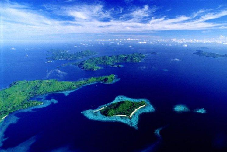 جزيرة بالاوان احد عجائب الدنيا الطبيعية