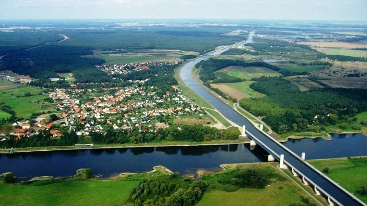 جسر ماجديبورغ فوق نهر الألب