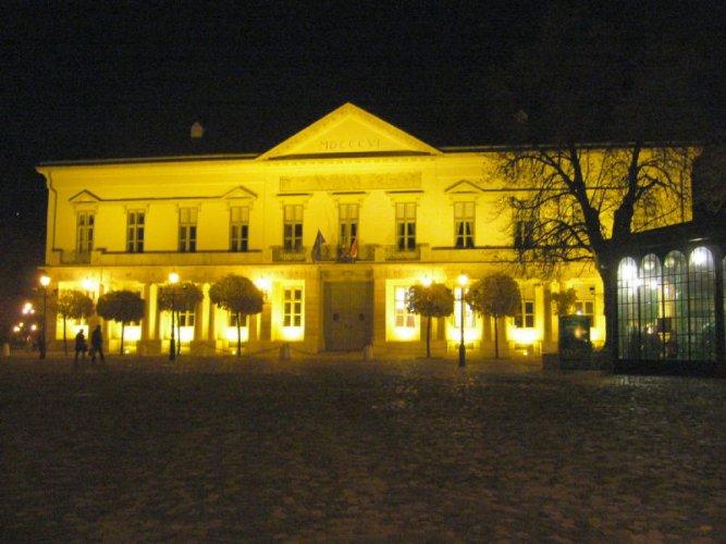 مشهد ليلي لقصر ساندرو