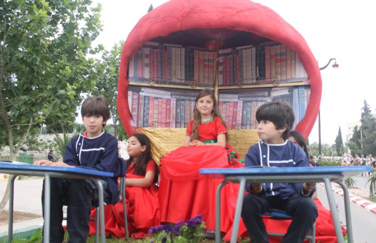 الأطفال يشاركون في فعاليات المهرجان