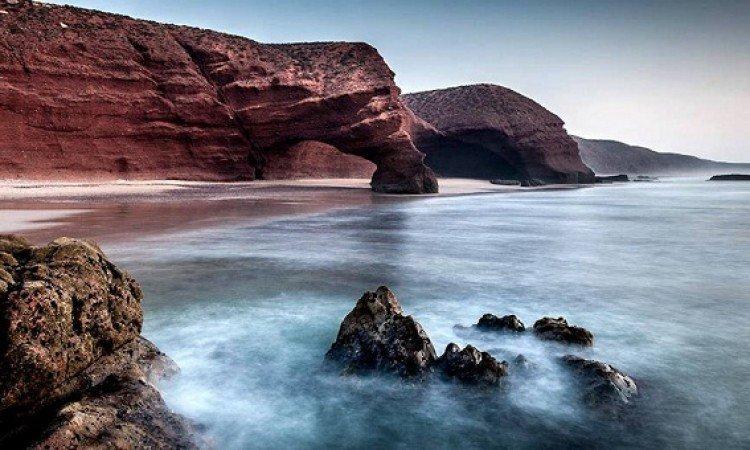 طبيعة شاطئ لكزيرة الخلابة