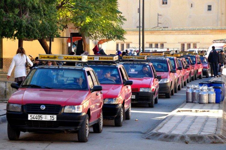 التاكسي الأحمر في المغرب