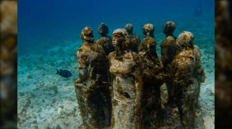 متحف الكانكون الغارق تحت الماء