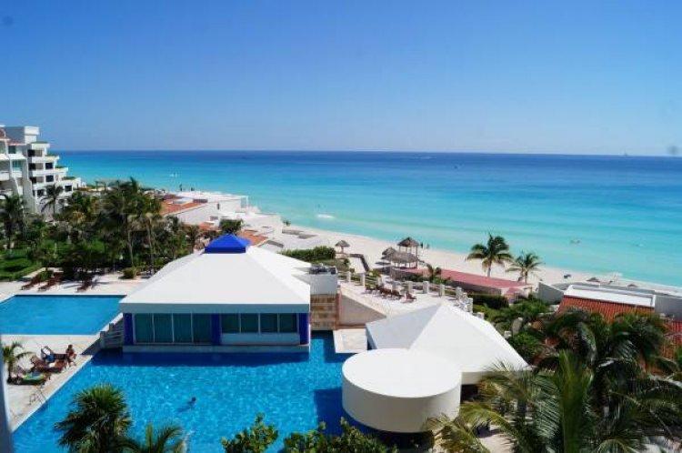 شاطئ كانكون في المكسيك