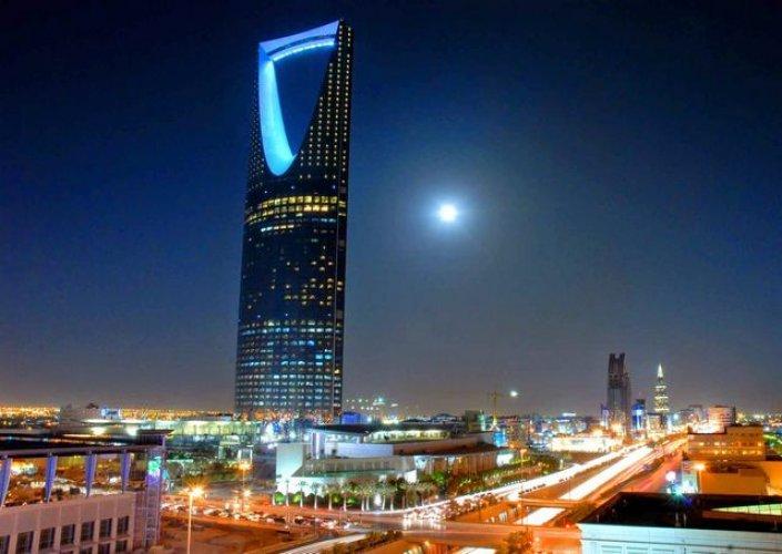 برج المملكة اطول الابراج في البلاد