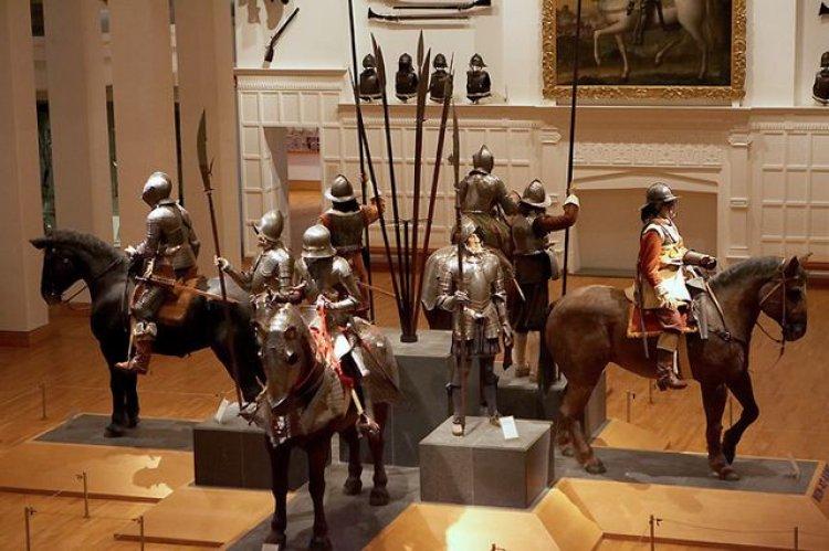 صالة معرض الحرب في متحف الاسلحة الملكية