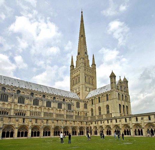 كاتدرائية نوريتش في المملكة المتحدة