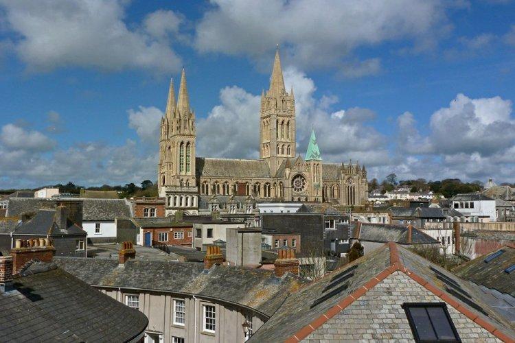 كاتدرائية ترورو الإنجليزية
