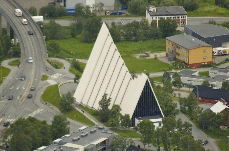 كاتدرائية القطب الشماليفي ترومسو النرويج