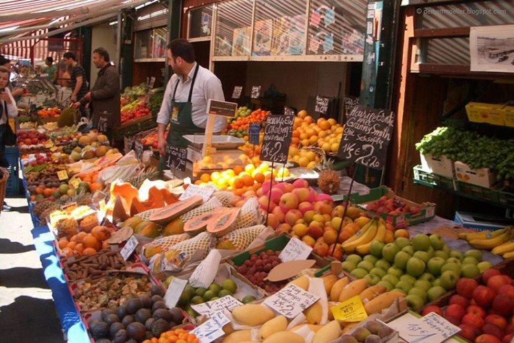 الفواكة في سوق ناشماركت