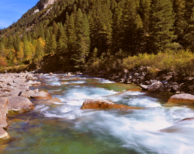 عالم من عجائب المياه في شلالات كريملر