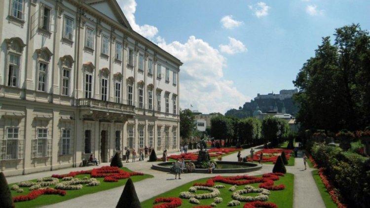 قصر حديقة ميرابيل