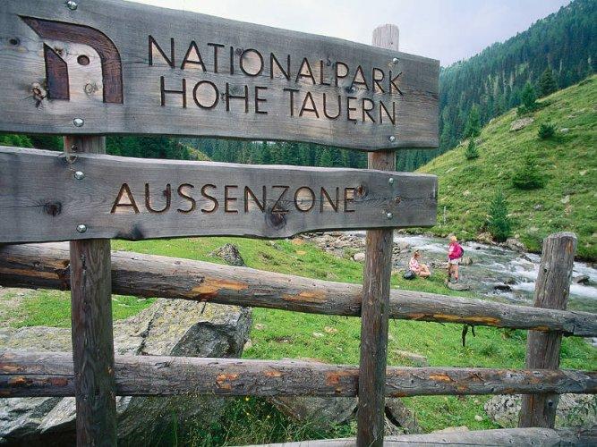 لوحة في منتزه هوي تاورن في النمسا