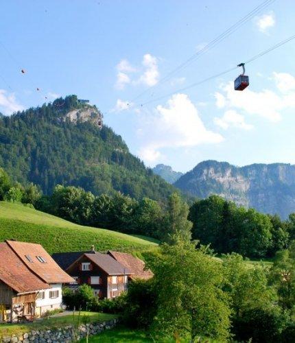 جبل كارن دورنبيرن في مدينة دورنبيرن، النمسا