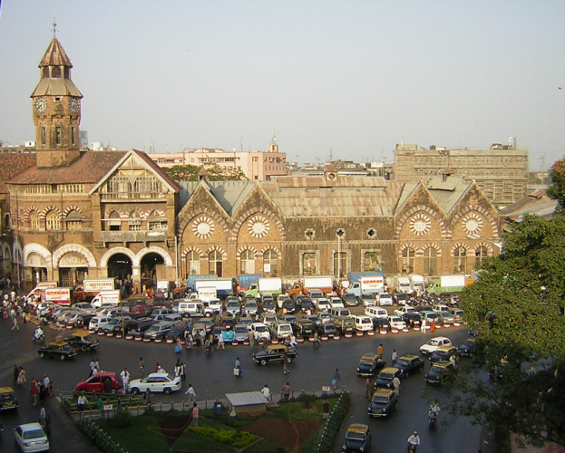 سوق كروفورد في مومباي