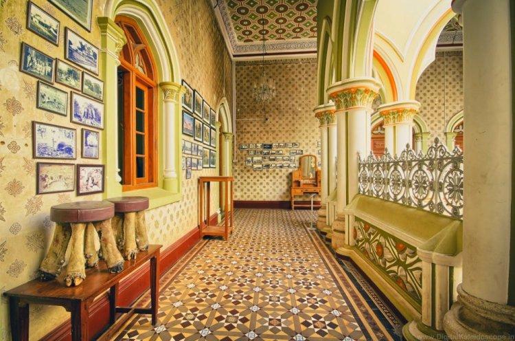 أحد ممرات قصر بنغالور