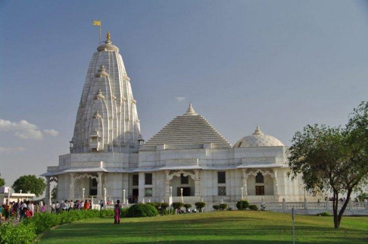 معبد بيرلا ماندير الهند