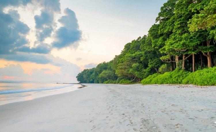 شاطىء رادهاناجار