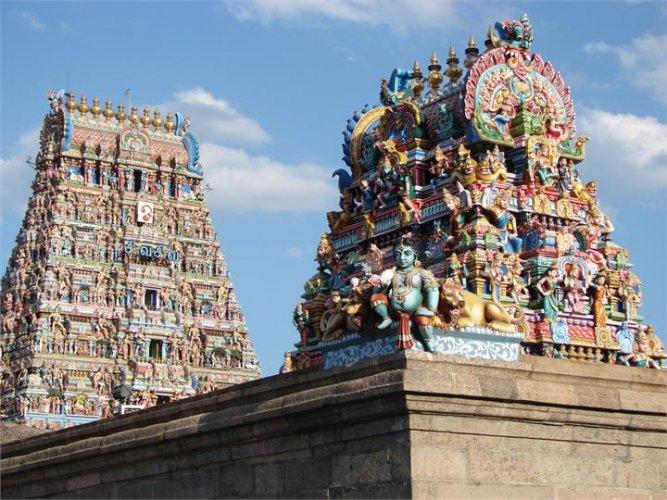 معبد كابليشوارار مبني على الطراز المعماري دارفيديون