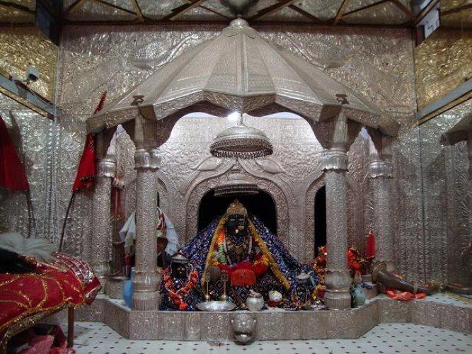 معابد باتان ديفي من أقدم وأقدس المعابد في باتنا بالهند