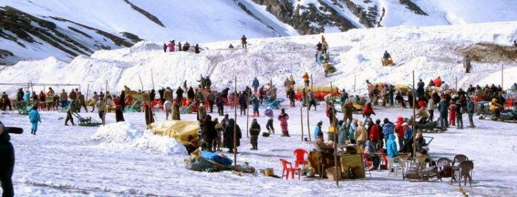 رياضة التزلج في منالي