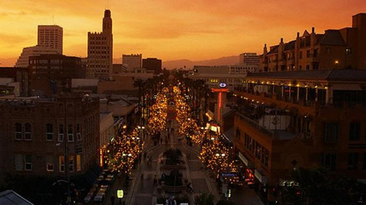 الشارع الثالث في لوس أنجلوس