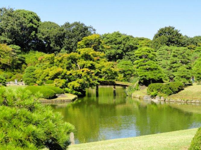 حديقة الستة قصائد الشعرية في اليابان