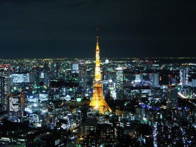 برج طوكيو في اليابان