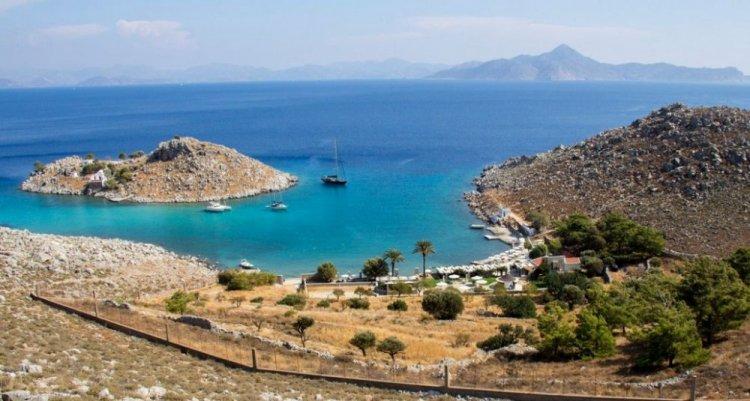 أجيا مارينا في جزيرة سيمي في اليونان