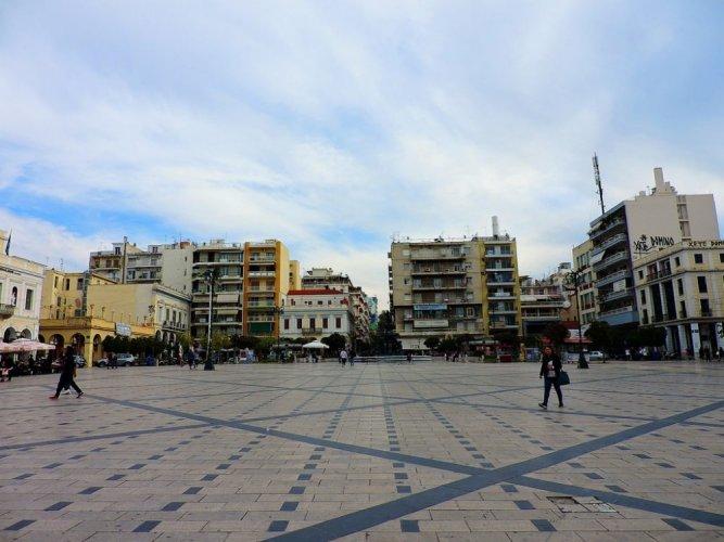 ساحة جورج في مدينة باترس اليونانية