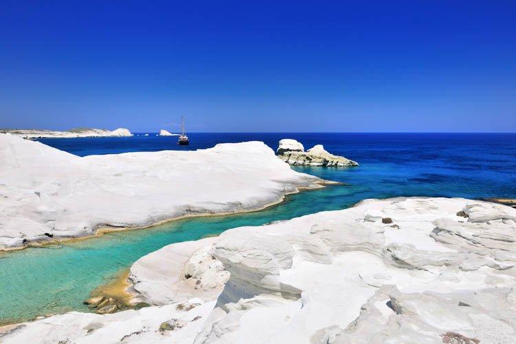 شواطئ ميلوس