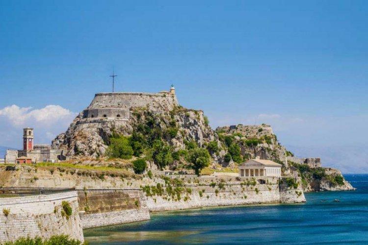 قلعة كوفور من الآثار اليونانية القديمة