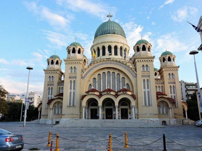 كاتدرائية أجيوس أندريس في مدينة باترس اليونانية