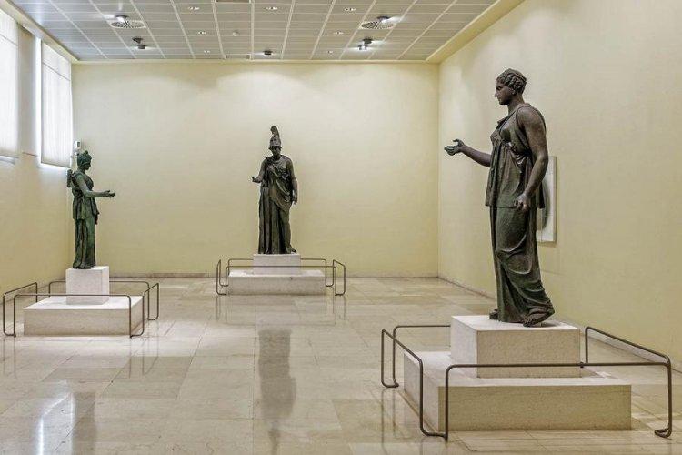 متحف بيرايوس اليونان