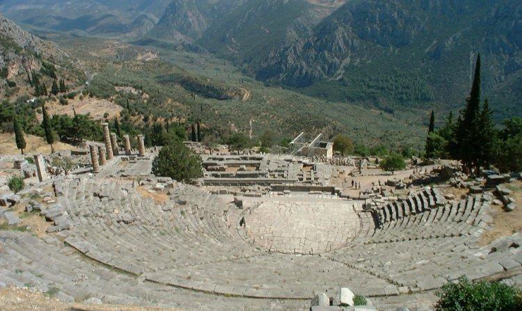 مسرح دلفي شاهد على بداية الألعاب الأوليمبية